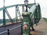 Mária Valéria híd címerek